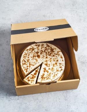 Box de 12 raciones de tarta Carrot Cake, elaborada con un esponjoso y delicioso bizcocho de zanahoria y nueces.