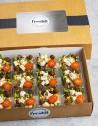 Box de 12 unidades de ensalada bulgur con falafel crujiente.