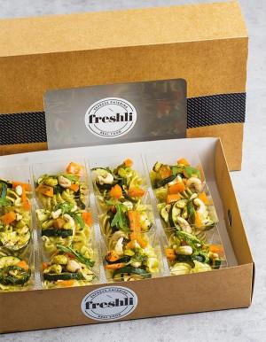 Box de 12 unidades de ensalada de caviar de berenjena con pasta fusilli integral.
