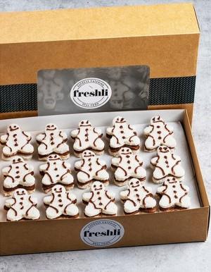 Box de 15 unidades de mini sándwiches con forma de fantasía elaborado con pan de molde y rellenos y decorados con Nocilla