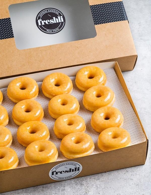 Box de 16 unidades de mini donuts glaseados de azúcar