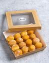 Box de 16 unidades de Pop Dots tiernos y esponjosos espolvoreados con azúcar